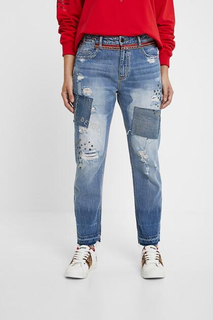 Boyfriend jeans studs