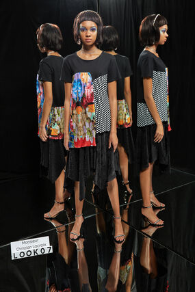 T-shirt à patchwork asymétrique Designed by M. Christian Lacroix