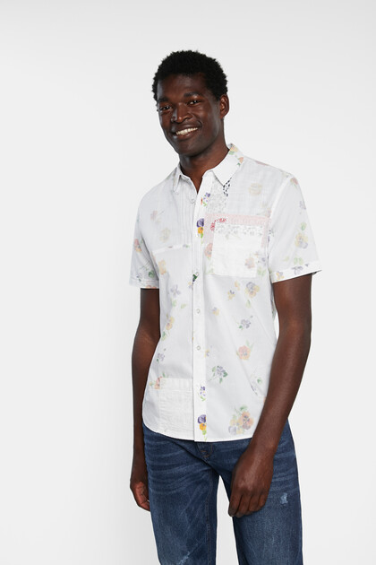 Camisa 100% algodão com flores