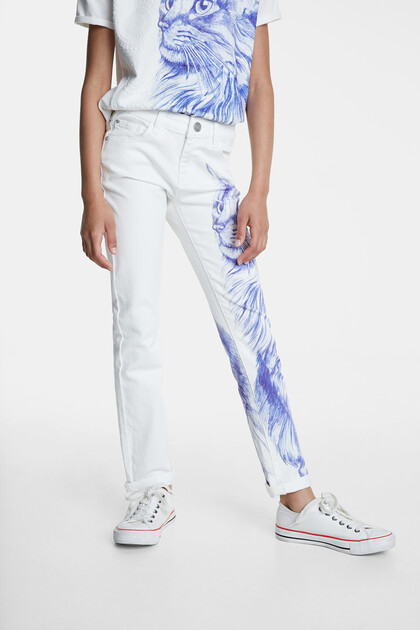 White bolimania cat jeans