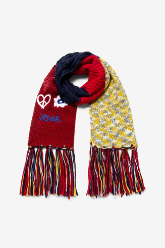 Long scarf with fringe
