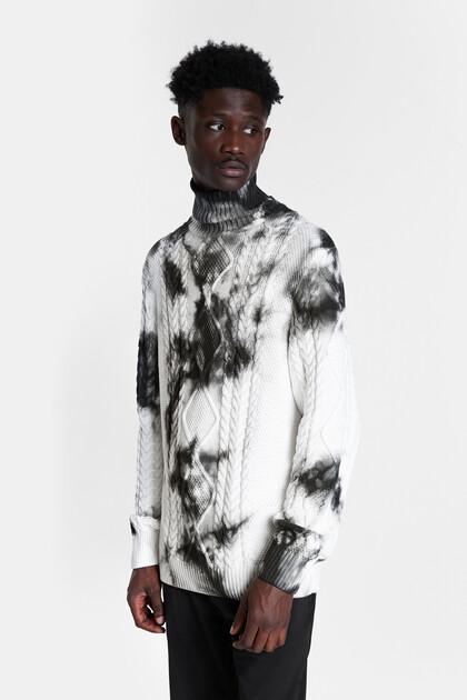 Dzianinowy sweter z efektem tie-dye