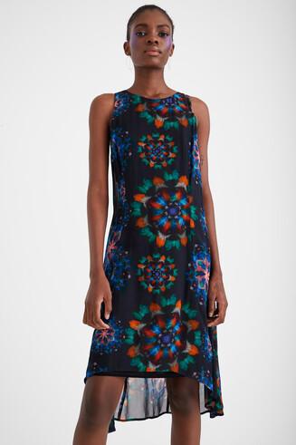 Kleid mit galaktischem Aufdruck