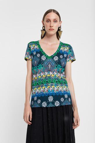 Boho-Shirt mit V-Ausschnitt