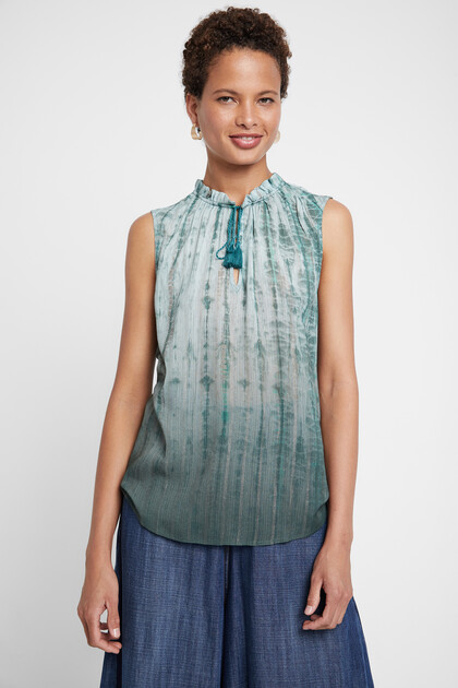 Tie-dye sleeveless blouse