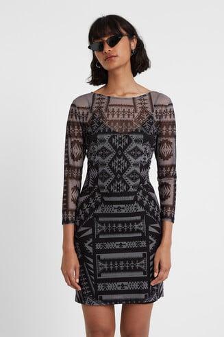 Nauwsluitende jurk met geometrische print
