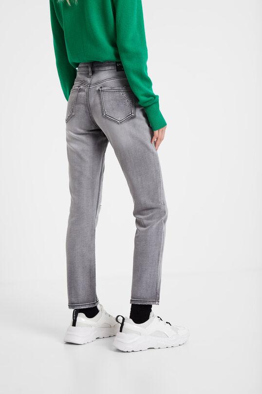 Slim worn trousers | Desigual