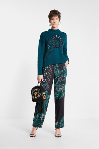 Flowing trousers mandalas print