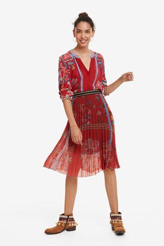 Red Skirt Francia