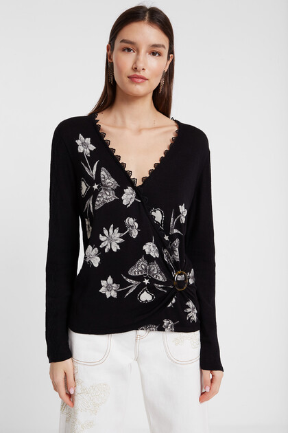 Fine crossed sweater butterflies