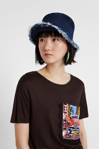 Viscose T-shirt with postcard pocket