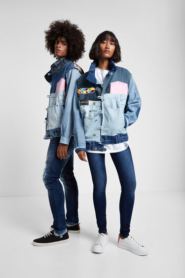 Kurtka Iconic Jacket z motywem czaszki autorstwa Okudy | Desigual