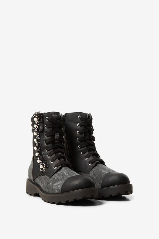 Military boots pearls | Desigual