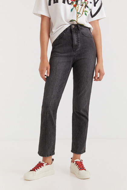 Straight ankle grazer jeans