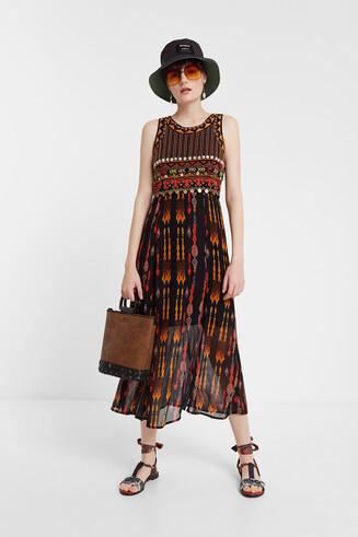 Midi-Kleid im afrikanischen Stil
