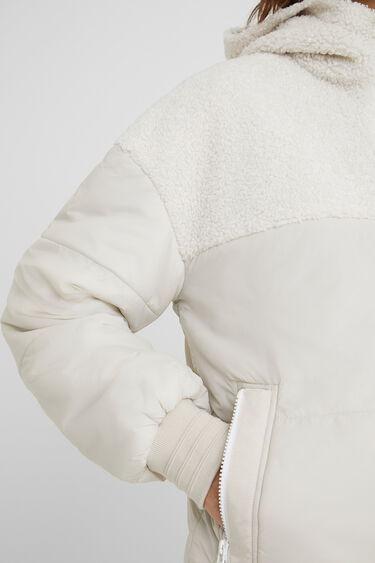 Chaqueta acolchada borreguito capucha | Desigual