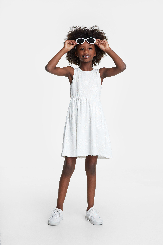 Gebreide jurk met mandala's in regenboogkleuren – WHITE – 3/4