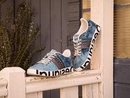 Spring camp sneakers